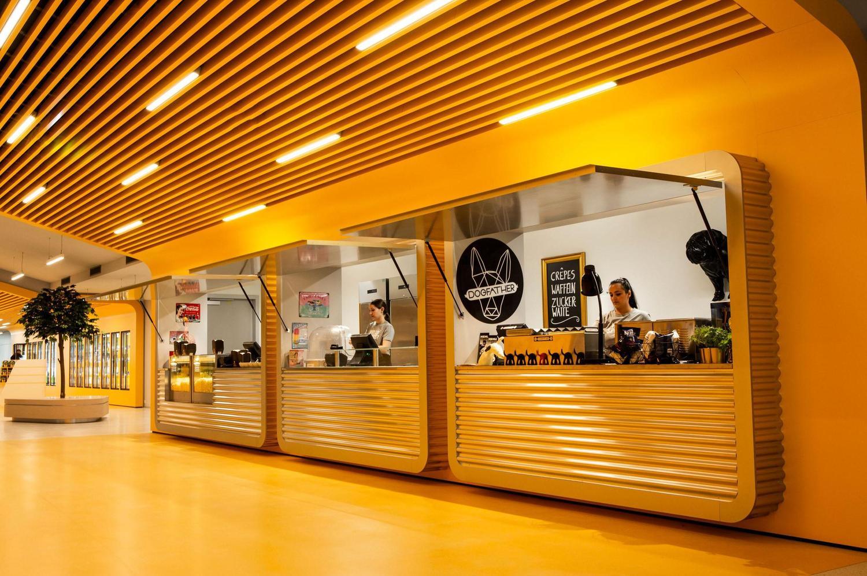 exotische Food Corner in Spreitenbach in Alu Wellblech Design
